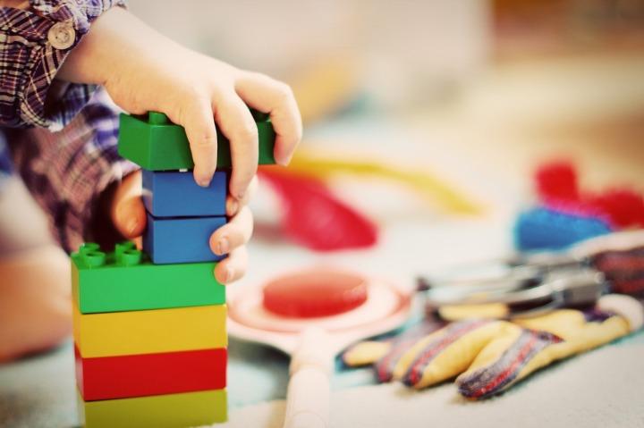 Jeux et jouets: faire plaisir sans reproduire lesstéréotypes